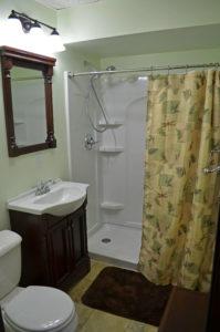 Lodge Leaders Room Bath