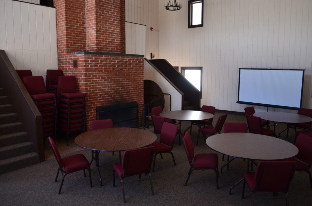 Lodge Riley Room
